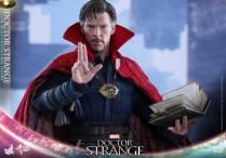 hot-toys-marvel-dr-strange-12