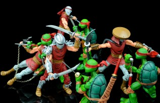 neca-nycc-eastman-and-laird-tmnt-foot-clan-fight