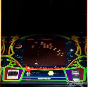 FREEing-Bandai-Namco-arcade-cabinet-review-galaga-screen