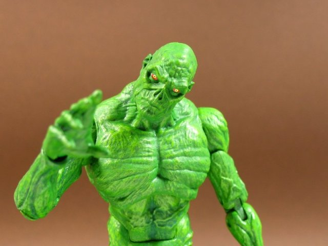 DC Comics OCT160342 Dsc Icons Swamp Thing Action Figure
