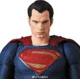 Medicom MAFEX Justice League Superman Promo 05