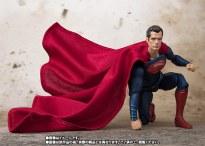 Bandai SH Figuarts Justice League Superman Promo 05