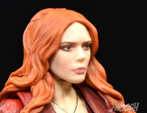 Hasbro-Marvel-Legends-Toys-R-Us-Avengers-Pack-Review-Scarlet-Witch-profile-1
