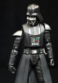 SH-Figuarts-Bandai-Star-Wars-ANH-Darth-Vader-Review-drop-arm