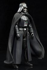 SH-Figuarts-Bandai-Star-Wars-ANH-Darth-Vader-Review-turn-1