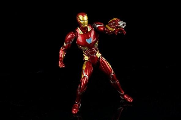 Bandai: S H  Figuarts Avengers: Infinity War Iron Man Mark L