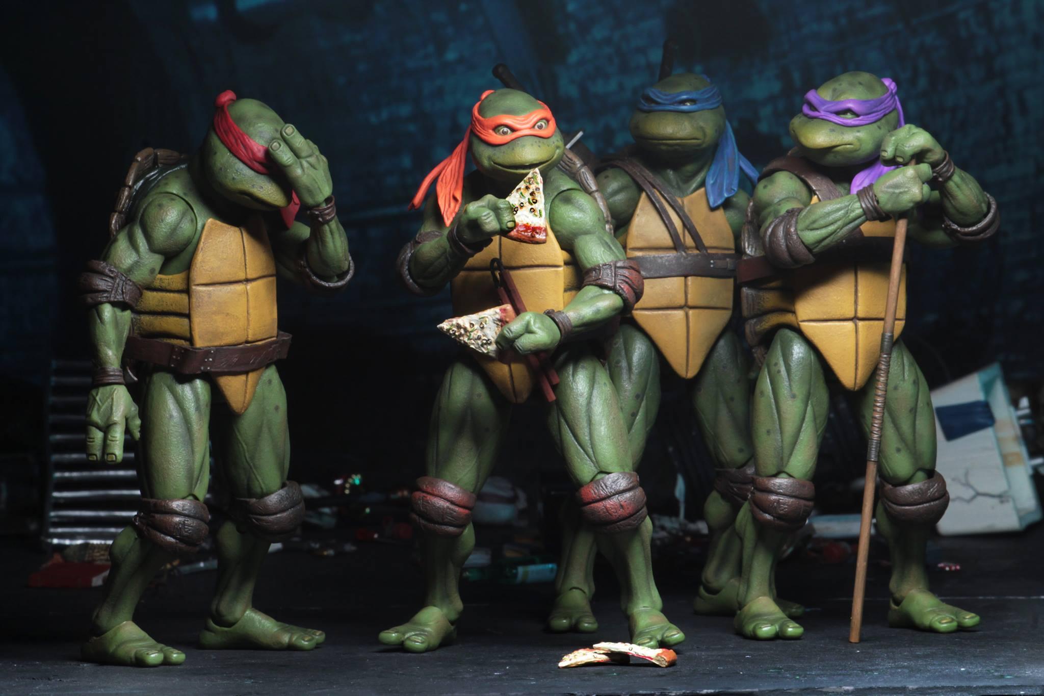 """NECA TMNT Teenage Mutant Ninja Turtles 1990 Movie 7/"""" Action Figure Shredder New"""
