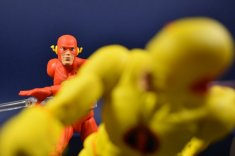 DC Collectibles Essentials Flash and Reverse flash (14)