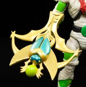 Super-7-Masters-of-the-Universe-Classics-Club-Grayskull-Wrap-Trap-Review-crossbow-close