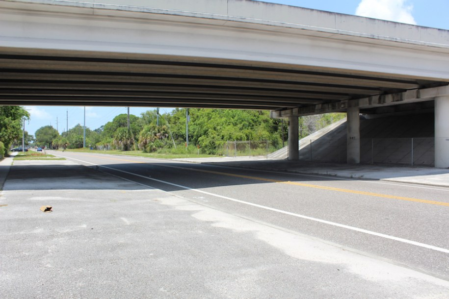 Picture of Interstate overpass near near 31st Street South and 34th Avenue  in St. Petersburg Florida