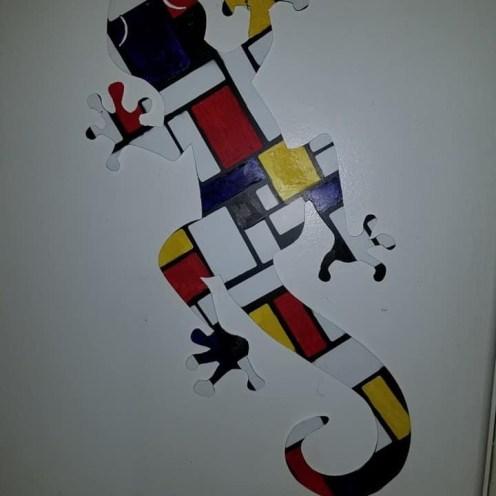 Gecko art in a Mondrian pattern.