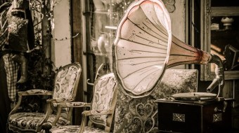 pic of vintage gramophone
