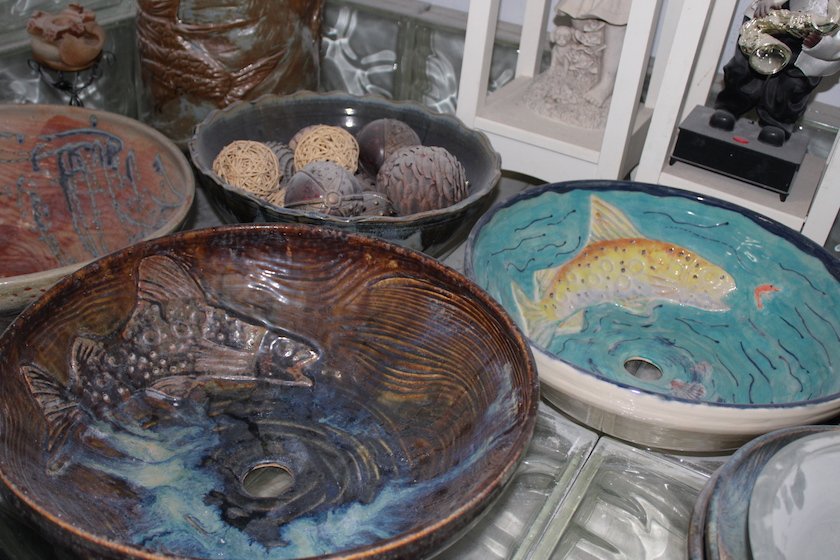 Colorful and brown earthenware