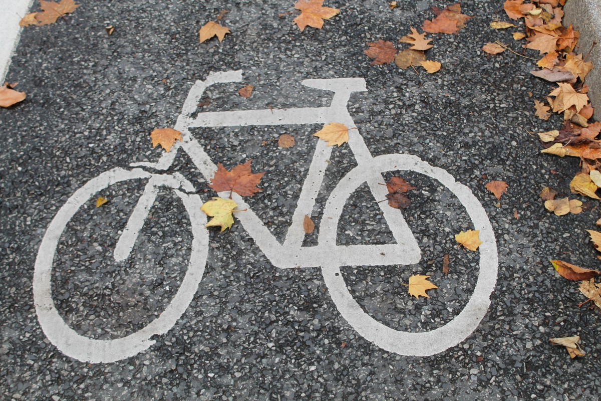 Image of a bike on the concrete