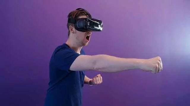 Comment fonctionnent les casques de réalité virtuelle? (2020)