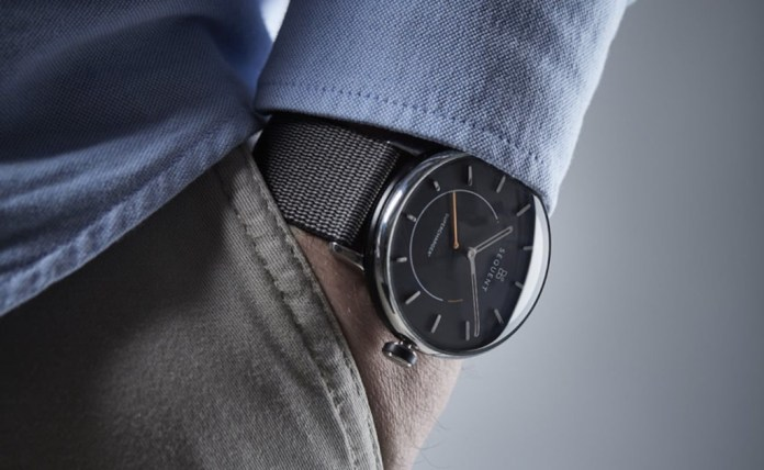 SuperCharger² is a smartwatch that looks like a traditional watch