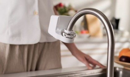 iFlow Touchless Faucet