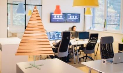 Yelka Minimalist Wooden Christmas Tree