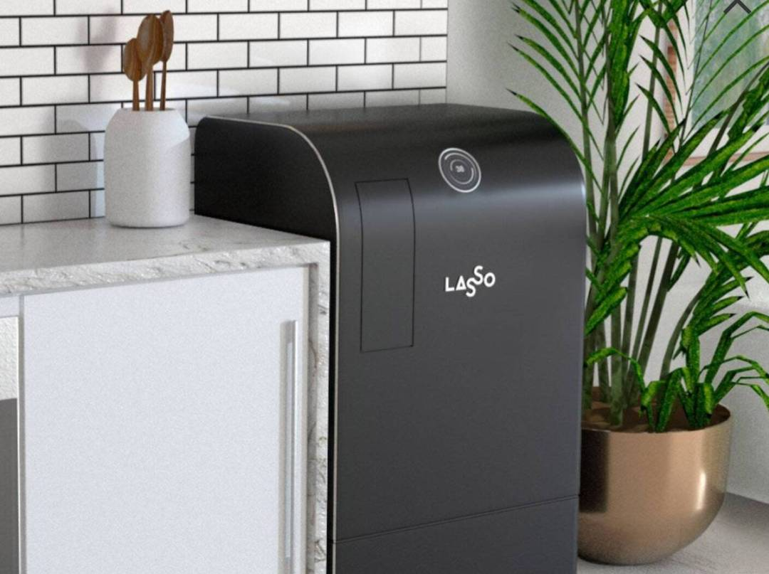 Lasso smart robot in black