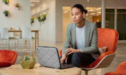 Twelve South SuitCase for MacBook quilted laptop case