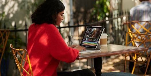 Apple iPad Pro 12.9-Inch with Liquid Retina XDR