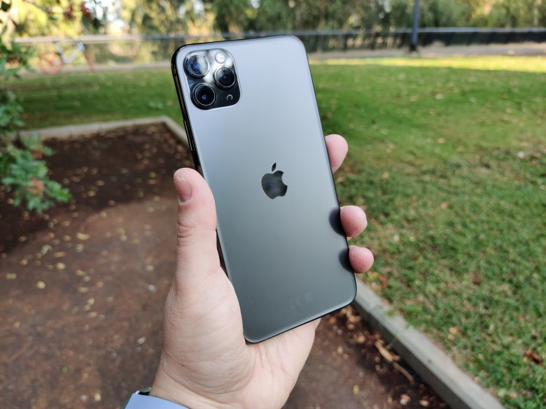 אייפון 11 פרו מקס 3