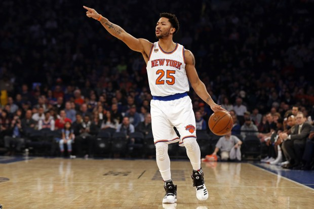 The Minnesota Timberwolves reportedly have their eyes on Derrick Rose.  (Adam Hunger/USA TODAY Sports)
