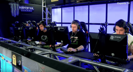 mixwell (left) with is usual dispassionate stare, while NAF-FLY (far right) bores holes into his monitor. The team rarely celebrates or shouts. Screenshot courtesy MLG.
