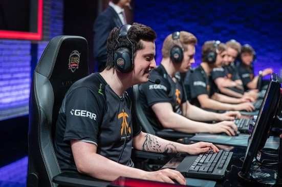Fnatic: EU LCS #6 team