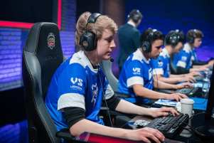 Flaxxish and Memento played for Giants Gaming last year