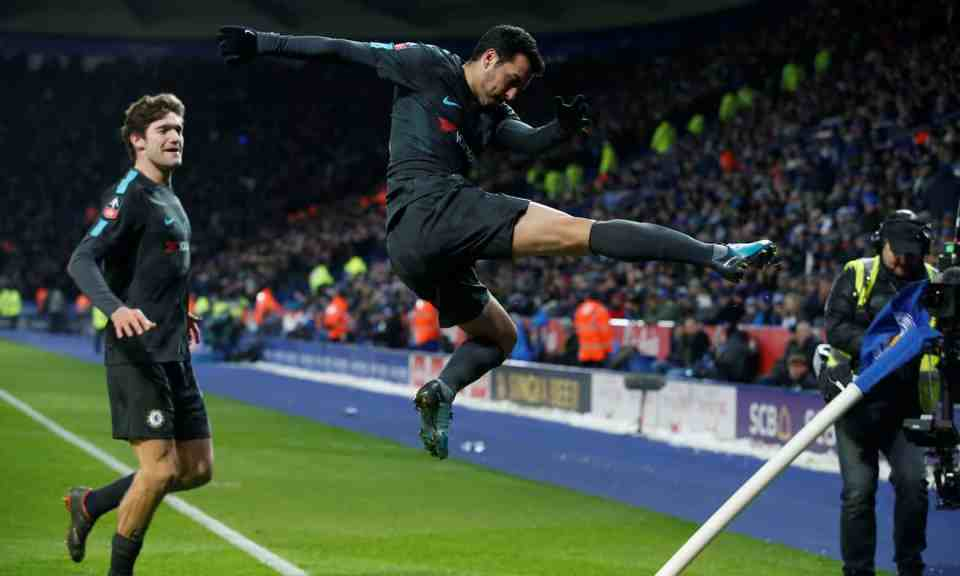 Pedro's header in extra time lifts Chelsea to a 2-1 victory over Leicester City