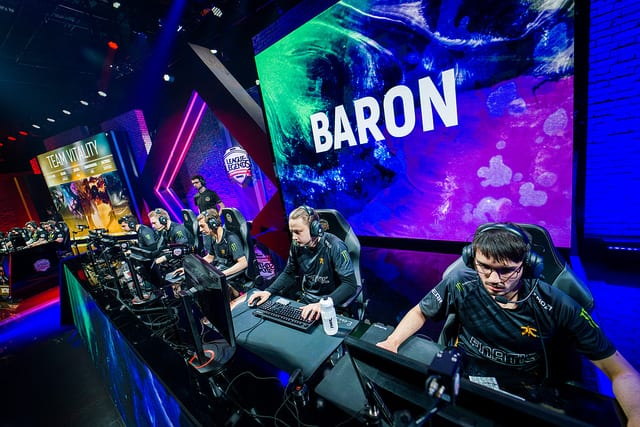 Fnatic will face G2 in the 2018 EU LCS Spring Split finals