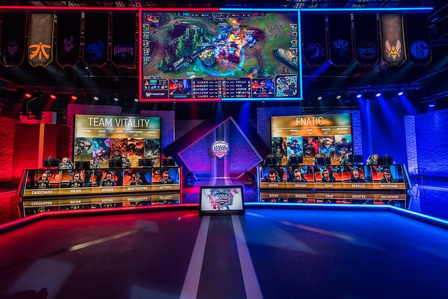 Fnatic defeated Vitality in the 2018 EU LCS Semifinals