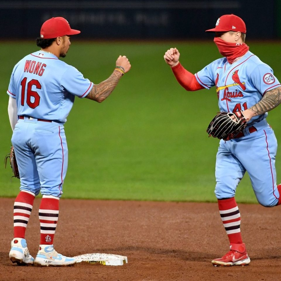 Wong & O'Neill Win Gold Glove as Decisions Loom for St. Louis
