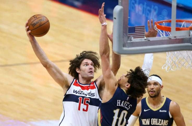 Orlando Magic Agree to Deal With Robin Lopez
