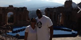 Con Cookie a Taormina, l'Etna sullo sfondo