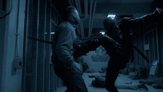 Deathstroke_fights_Jackal_mercenaries.png