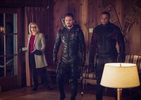 arrow-season-6-collision-course-image-1-600x425