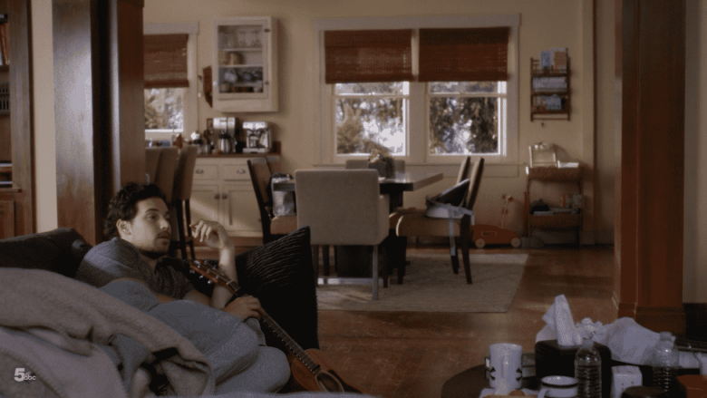 couch deluca.png