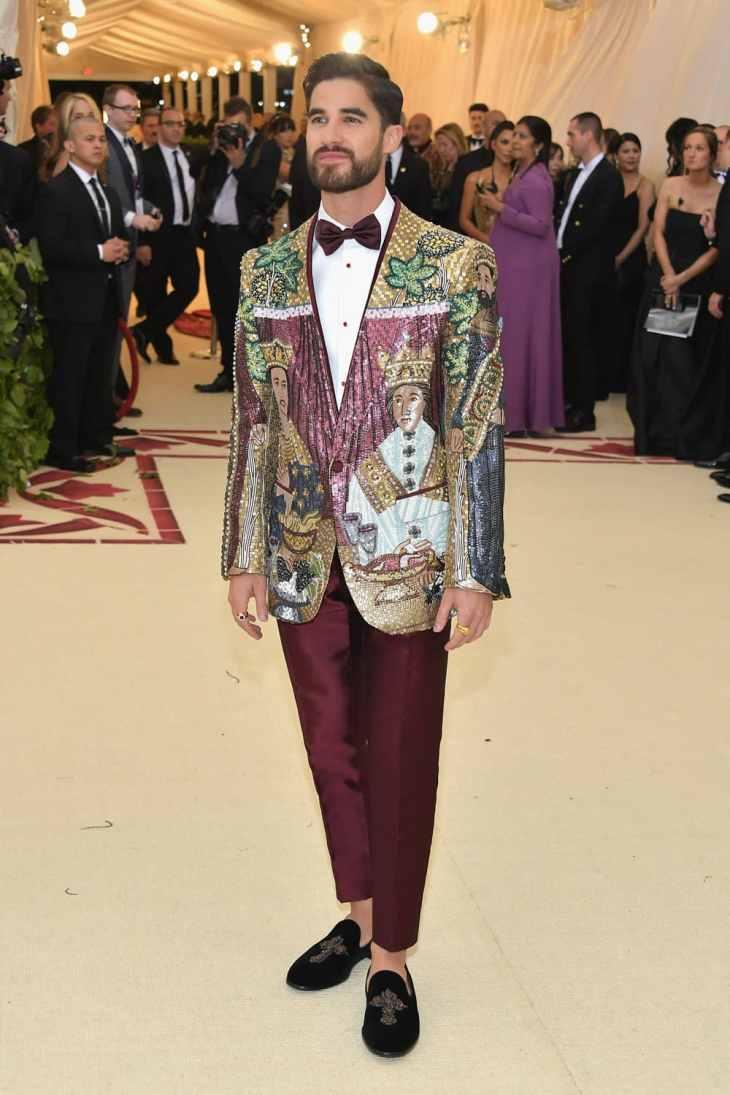 Darren-Criss-Met-Gala-2018-Red-Carpet-Fashion-Dolce-Gabbana-Tom-Lorenzo-Site-1