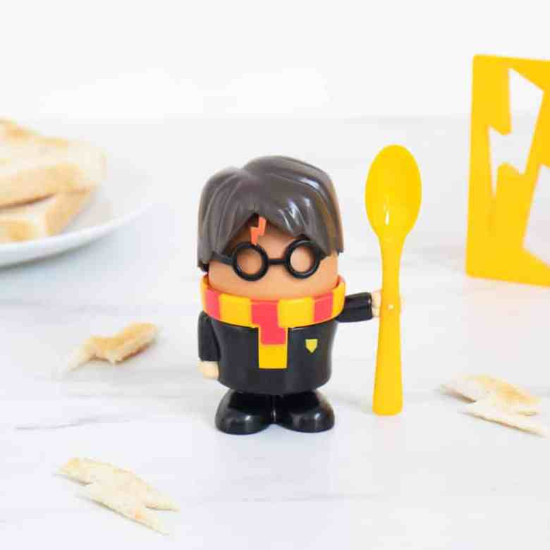 harry-potter-egg-cup-and-toast-cutter_33123