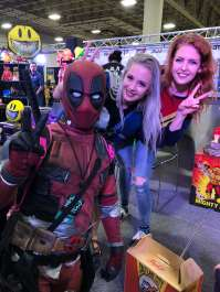 Deadpool Mateo and the famous cosplayers, @hendoart on the left & @maidofmight on the right. Photo Source: Deadpool Mateo for The Game of Nerds