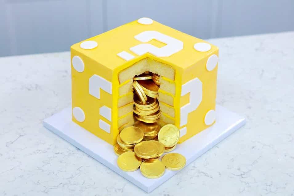 TGON-BAKES-MARIO-CAKE