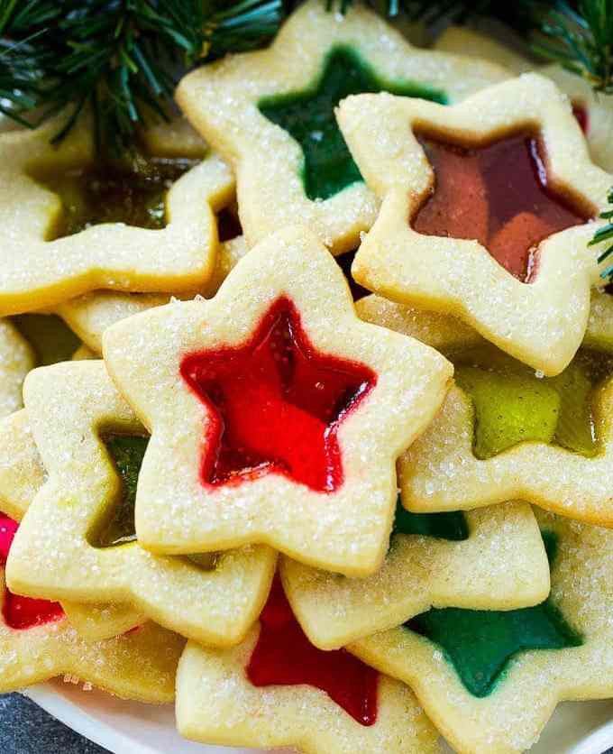 TGON-BAKES-STAINED-GLASS-COOKIES-FOR-GLASS-MOVIE