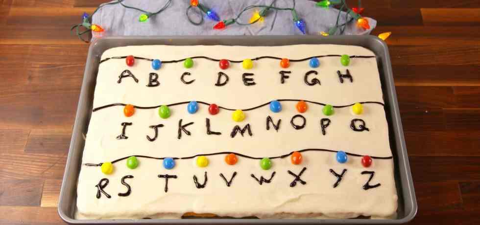 TGON-BAKES-STRANGER-THINGS-SHEET-CAKE