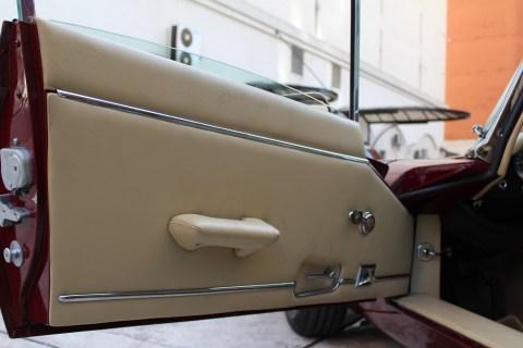 1973 Jaguar E-Type V12 door panel