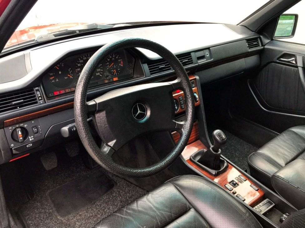 1991-Mercedes-benz-300TE-thegarage-26