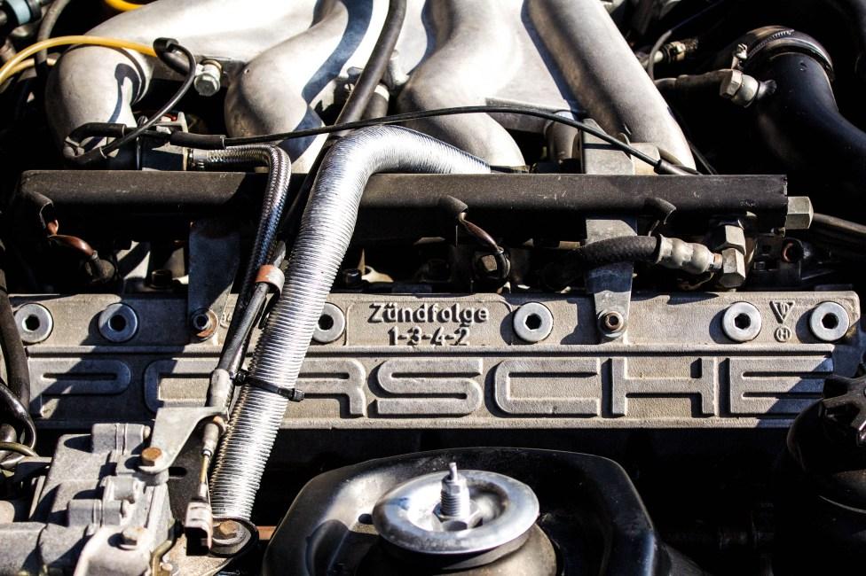 Motor 4 cilindros em linha turbo compressor de 2.5 litros, e câmbio manual de 5 marchas, que gera 220 CV e vai de 0 a 100 km/h em 5.9 seg