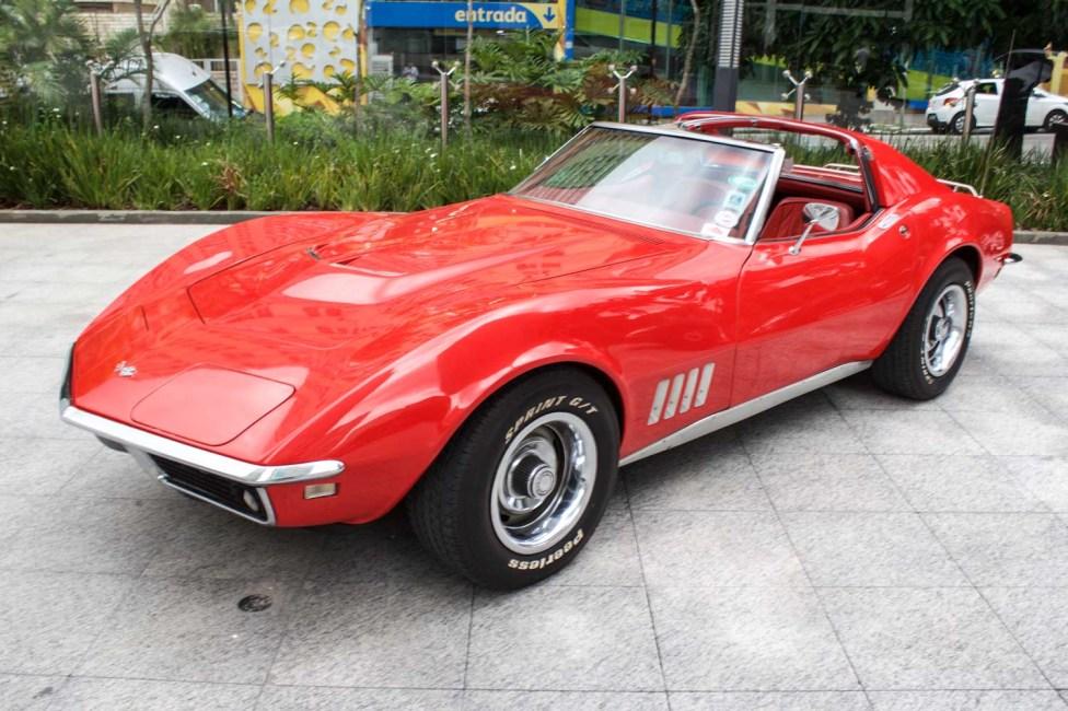 1968-corvette-stingray-the-garage-carros-classicos