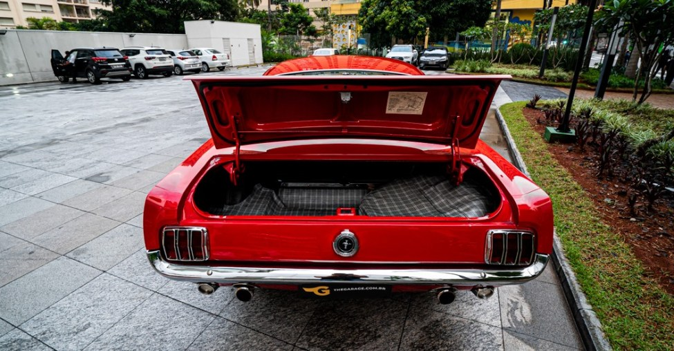 1965 Ford Mustang Fastback 2 + 2